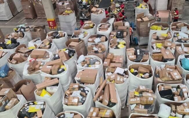 Receita apreende R$ 800 mil em mercadorias de e-commerce