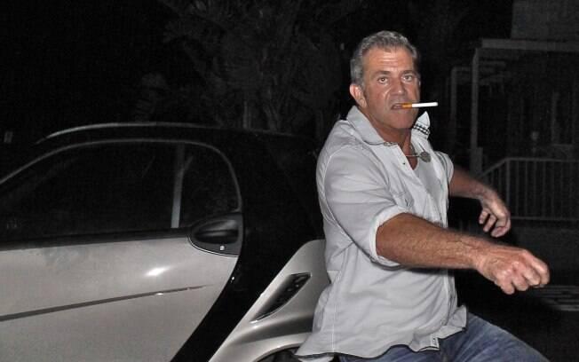 Mel Gibson ataca paparazzi: temperamento descontrolado