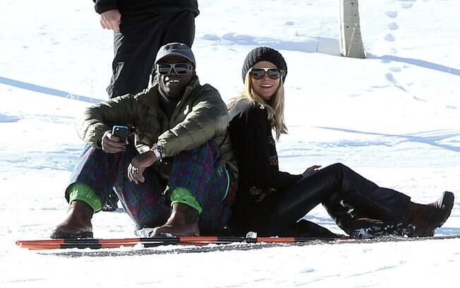 Heidi Klum e Seal também aproveitaram as férias para namorar e se divertir nas montanhas