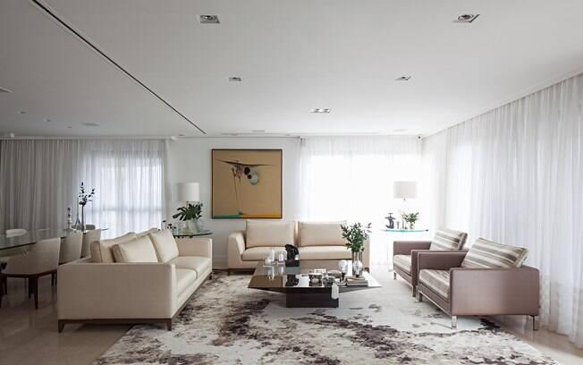 Tapete desenhado e com estampas devem combinar com a tonalidade e o estilo do mobiliário