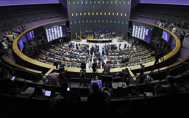 Segundo o Diap, o crescimento da bancada feminina na Câmara ainda é insuficiente para equilibrar a participação de homens e mulheres no exercício da função de legislar em nome da população
