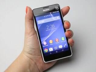 Xperia E1 Dual roda versão 4.3 do Android