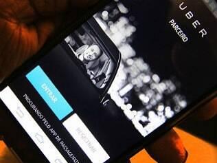 """Haddad proíbe Uber e cria """"táxi preto"""""""