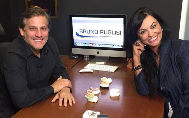 Em entrevista a Maria João, Dr. Bruno Puglisi explicou quais os tipos de materiais usados em um implante dentário