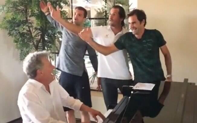 Dimitrov, Haas e Federer soltam a voz, com a participação especial de Djokovic