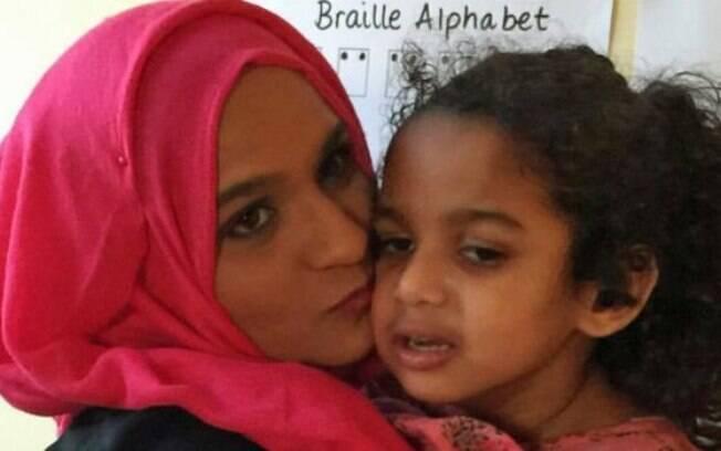 Alea Begum conta que a filha não tinha sintomas até completar um ano de idade