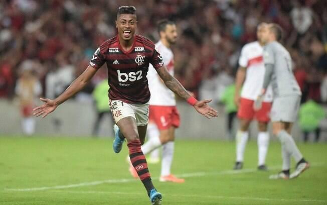Bruno Henrique marcou os dois gols do Flamengo