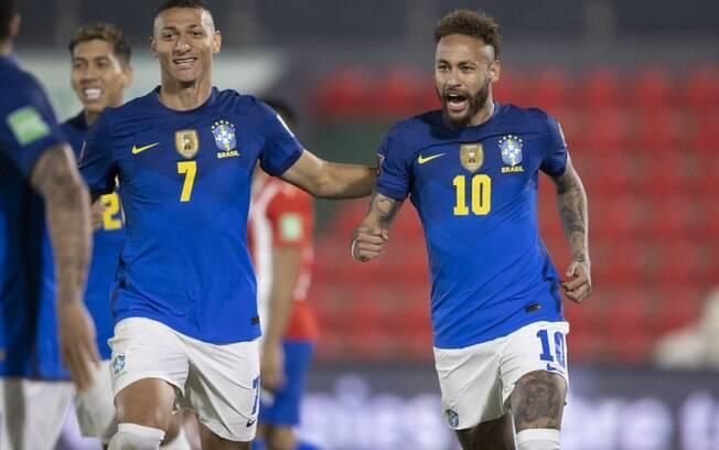 Com recorde de Neymar e fim de tabu, Brasil vence Paraguai e segue 100% nas Eliminatórias