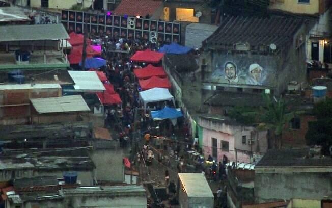 Em meio à pandemia, baile funk vira a madrugada no Rio de Janeiro