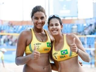 Ana Patrícia (a esquerda) atua ao lado da bicampeã mundial sub-19 Duda
