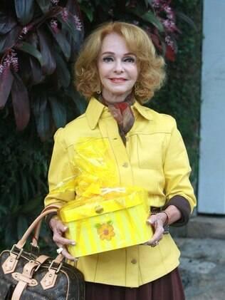 Vera Loyola, 69 anos