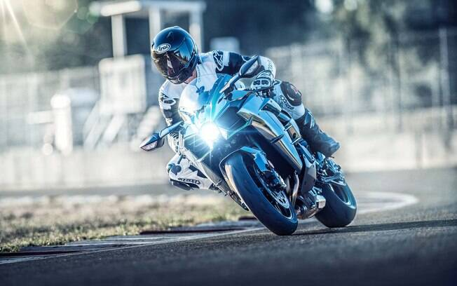 Se as variantes da Kawasaki Ninja H2 já eram completas, mais equipamentos chegam para reforçar a exclusividade