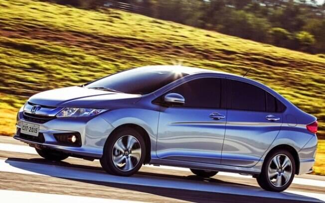 Honda City EX usa o sobrenome de peso para se destacar no mercado de sedãs compactos seminovos