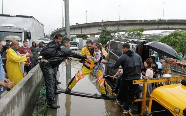 Fortes chuvas causaram alagamentos em São Paulo