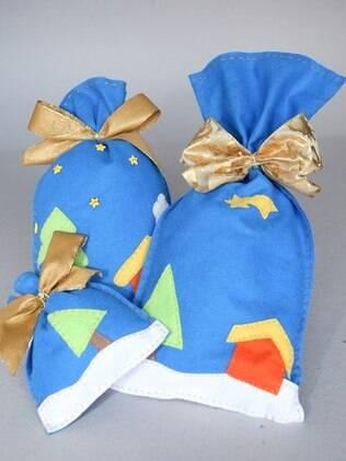 Feltros e pedaços de tecido se transformam em uma embalagem para presente