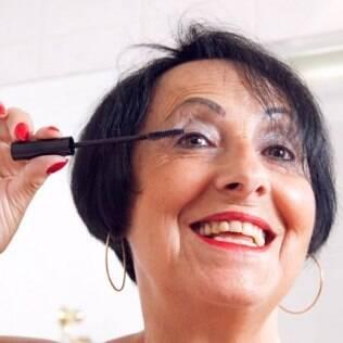 Conceição Carboni, 68 anos, consome produtos de beleza importados