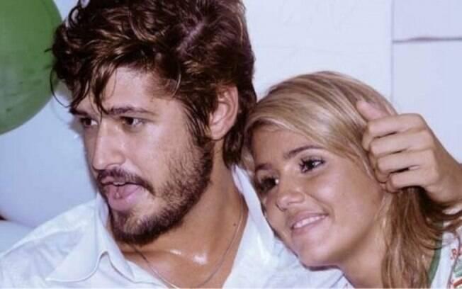O namoro entre Dado Dolabella e Deborah Secco acabou antes de completar um ano