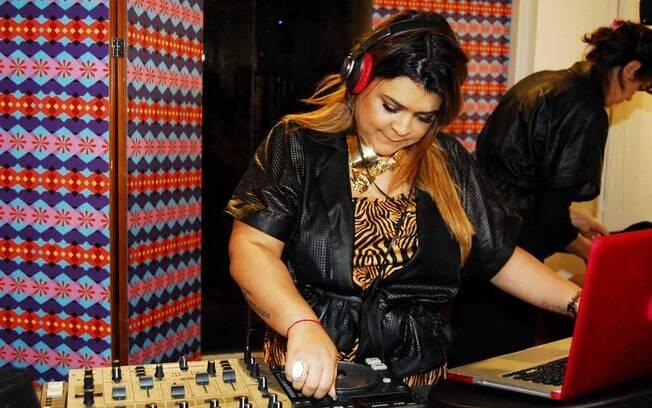 Preta Gil é a DJ da noite
