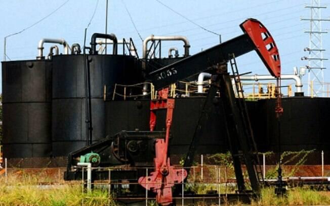 O governo estuda medidas de estímulo para ajudar a conter a crise provocada pelo avanço do novo coronavírus e pela guerra do petróleo