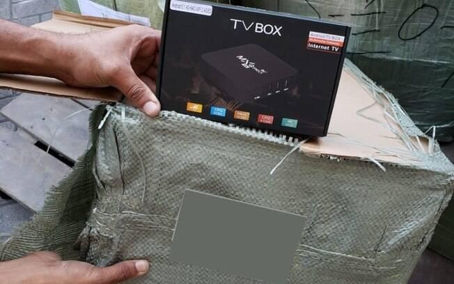 """Os aparelhos de TV Box transformam televisores comuns em """"smart"""" com uma série de funcionalidades agregadas."""