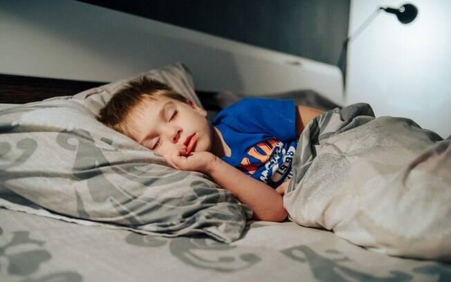 Para acalmar o bebê e a criança e contribuir para uma boa noite de sono vale alguns cuidados com o quarto dos pequenos