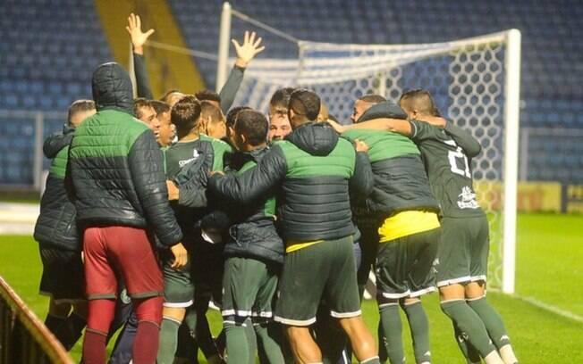 Guarani vence Avaí no último lance do jogo
