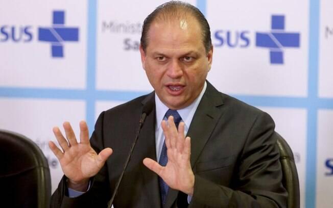 Ricardo Barros é acusado de improbidade administrativa durante sua gestão no Ministério da Saúde