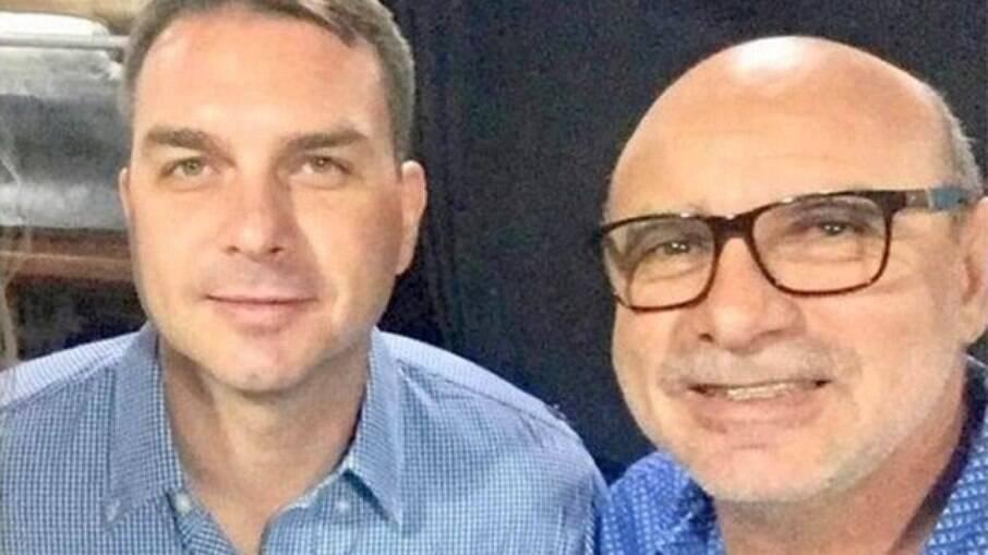 Queiroz e Bolsonaro trabalharam juntos na Assembléia Legislativa do Rio de Janeiro, período em que Flávio é acusado de realizar 'rachadinhas'