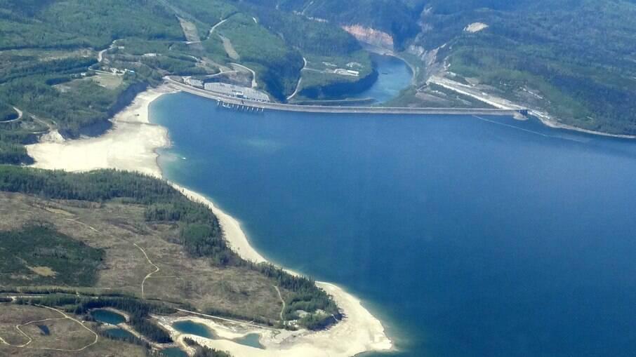 Criado em 1968 e com área inundada de mais de 1700 km², é um dos principais lagos artificiais do Canadá