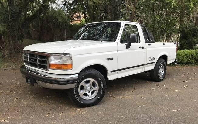 Ford F1000: última série da picape que foi vendida no Brasil tinha linhas mais arredondadas e motor turbodiesel