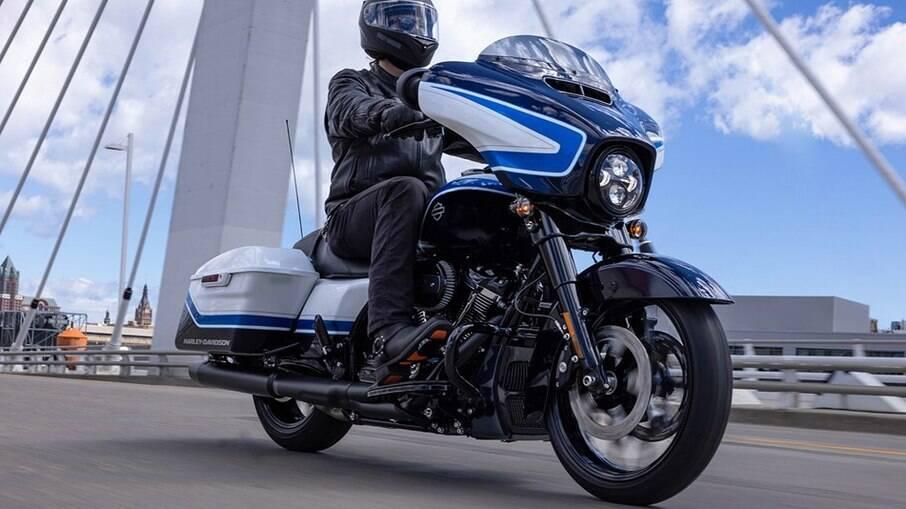Harley-Davidson Street Glide Special Arctic Blast Limited Edition tem a nova combinação de cores entre as principais novidades