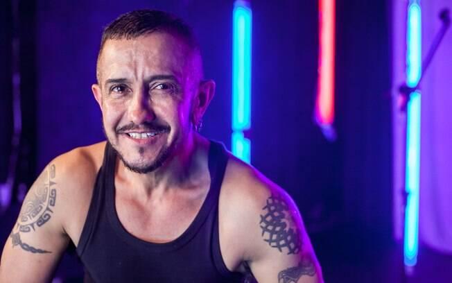O ator transhomem Leo Moreira Sá contou sua história na peça