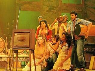 Milton Nascimento gostou tanto do musical que assistiu mais de dez vezes, só durante a temporada no Rio