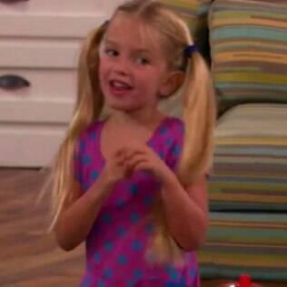 A atriz Mia Talerico, de apenas 5 anos de idade, começou a receber ameaças de morte em sua conta no instagram logo após a exibição do 1º beijo gay do Disney Channel