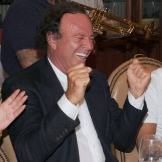 Julio Iglesias comprou mansão de seis quartos em Miami