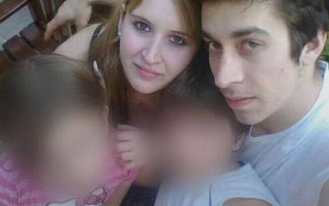 Leandro Acosta e Karen Klein posam para foto antes da prática do duplo homicídio: barbárie