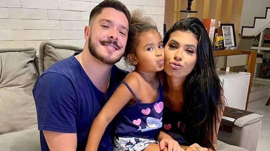 Pocah, Ronan Souza e Vitória