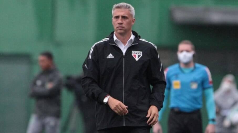 São Paulo anuncia saída de Crespo do comando da equipe