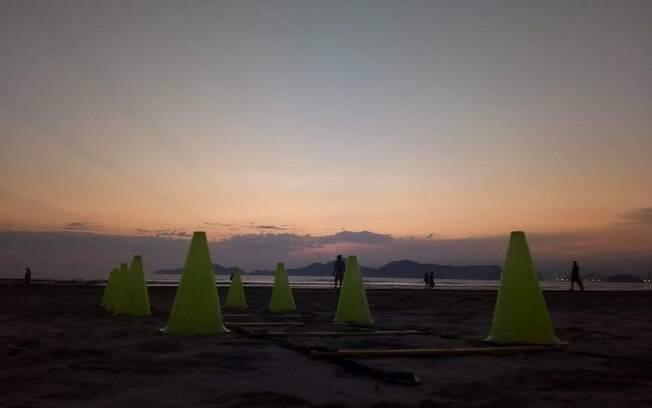 Após seis meses de aulas online, assessoria voltou a treinar com os alunos ao ar livre em Santos
