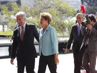 É preciso resgatar o Mercosul, diz Tabaré Vázquez (esq.) durante visita oficial ao Brasil