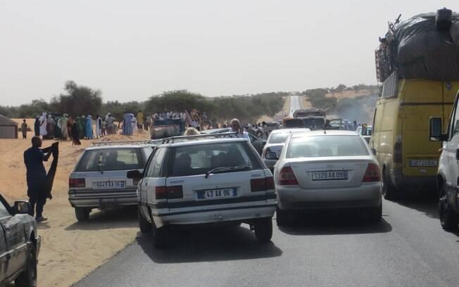 As estradas no Senegal são cheias e muitos complicadas de dirigir