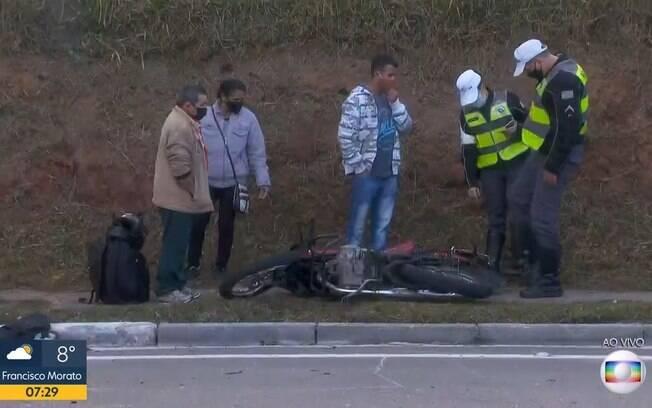 Acidente deixou duas pessoas feridas