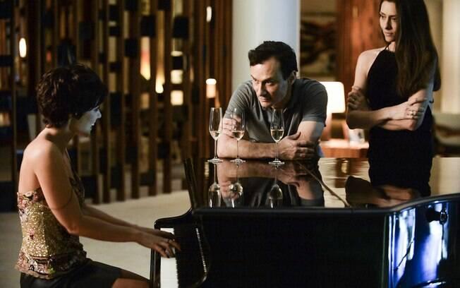 Mesmo não aceitando o ménage, Marília vai acabar se envolvendo afetivamente com Denise/Danny. Foto: Divulgação/TV Globo