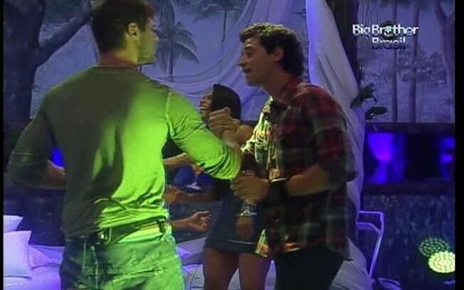 Gaúcho conta ao veterinário que está aproveitando intensamente a balada