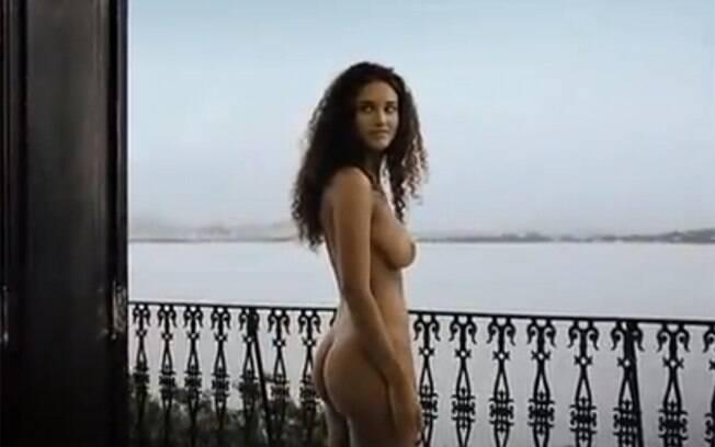 Fotos e vídeo 8211 Debora Nascimento nua em filme - http://www.naoconto.com