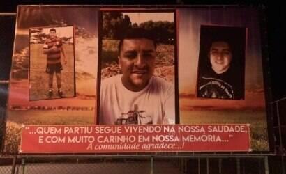 Miliciano morto pela polícia é homenageado em outdoor