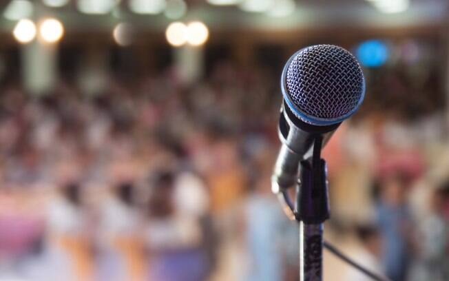 Celebridades colocam a boca no trombone para falar sobre sexo e não hesitam em revelar posições favoritas ou opiniões sobre os tabus que envolvem a prática; faça o teste e confira quem é o autor de que frase picante que já foram ditas