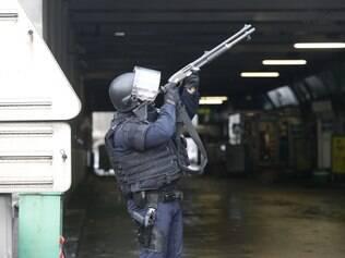 Polícia cerca mercado judeu no leste de Paris