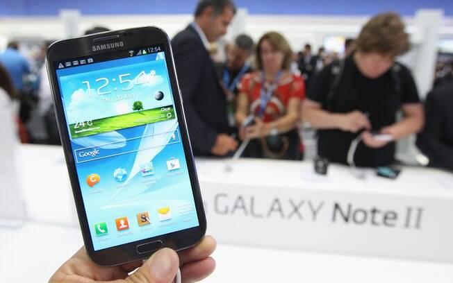 Samsung, que apresentou Galaxy Note II na IFA 2012, deve mudar estratégia para fidelizar usuários, dizem analistas
