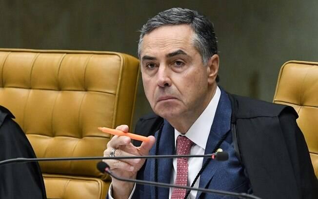 Ministro Luis Roberto Barroso do Supremo Tribunal Federal (STF) pediu voto consciente e que população use máscara